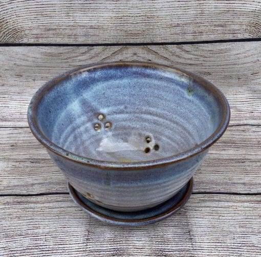 Salvaterra pottery berry bowl blue and white